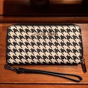 Michael Korea's Zip Wallet